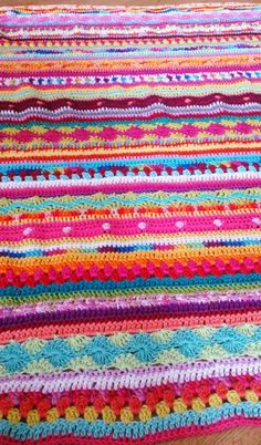 Reference Crochet, blanket, afghan, throw LolaIsHooked: Over de helft