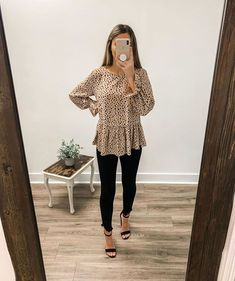 99 Fashionable Office Outfits and Work Attire for Women to Look Chic and Stylish – Lifestyle Scoops Day Date Outfits, Old Navy Outfits, Casual Summer Outfits, Autumn Outfits, Woman Outfits, Casual Work Attire, Polyvore Outfits Casual, Summer Work Outfits Office, Casual Outfits Summer Classy
