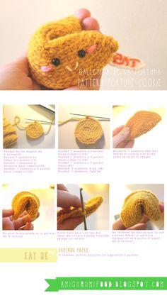Galletita de la Fortuna Amigurumi - Patrón Gratis en Español aquí: http://amigurumifood.blogspot.com.es/search/label/Fortune%20cookie