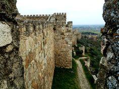 Murallas del castillo de Trujillo en Cáceres. Castle of Trujillo in Caceres.