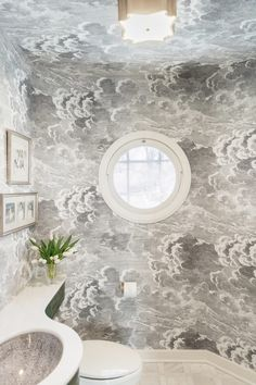 dreamy cloud wallpaper in a tiny bathroom Transitional Coffee Tables, Transitional Living Rooms, Transitional House, Transitional Lighting, Cloud Wallpaper, Wallpaper Ideas, Inspirational Wallpapers, Bathroom Wallpaper, Small Bathroom
