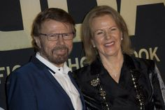 ABBA celebrates 40th anniversary of 'Waterloo' breakthrough with party at London's Tate Modern gallery