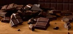 Twenty Iconic Finnish Snacks you need to try - Brunberg Chocolate Bars Candy Factory, The Twenties, Alcoholic Drinks, Snacks, Chocolate Bars, Factories, Finland, Nostalgia, Food