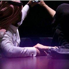 لو غيرك يمليني بكثيره ، مابي الا قليلك ~ za Swag Couples, Cute Muslim Couples, Couples In Love, Romantic Couples, Muslim Love Quotes, Love In Islam, Arab Girls, Muslim Girls, Arab Love