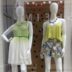 2 de las opciones de los maniquís de Plaza #plazafiesta #sanagustin #windowshopping #amolapeli