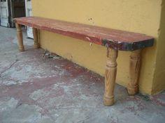 Campo Chico. Banco realizado con maderas de demolición.