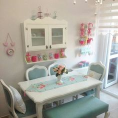 I love the idea of bringing artwork into the furniture but n Cozinha Shabby Chic, Muebles Shabby Chic, Shabby Chic Kitchen, Shabby Chic Homes, Decor Room, Living Room Decor, Bedroom Decor, Dining Room Bench Seating, Dining Room Design