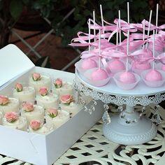 Кейкпопсы 15 шт., 1600; десерты Птичье молоко 12 шт. 1650