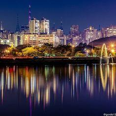 Boa noite! Linda visão noturna do Parque Ibirapuera, com a cidade de São Paulo ao fundo! Foto: @gordo13.