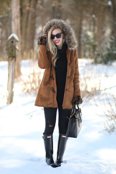 Eskimo Style: Camel toggle coat with fur trim hood, distressed black denim & black Hunter glossy boots, camel and black winter outfit, snow day style with Hunter boots, winter coat with fur hood