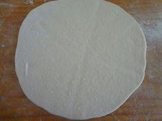 Jogurtové chlebové placky (fotorecept) - recept   Varecha.sk Cookie Brownies, Plates, Tableware, Basket, Licence Plates, Dishes, Dinnerware, Griddles, Tablewares