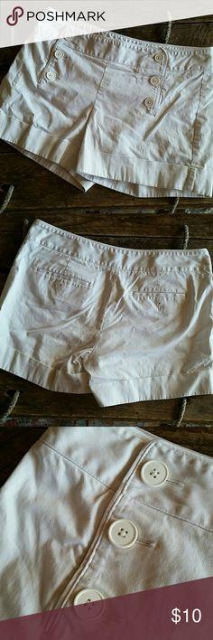 High Waisted 3 Button Sailor Shorts Super cute White High Waisted 3 Button shorts Size 10 Express Shorts