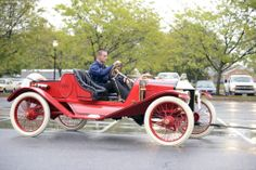 Photographs of the 1912 Ford Model T. An image gallery of the 1912 Ford Model T. T Bucket, Vintage Fur, Henry Ford, Ford Models, Old Cars, Motor Car, Corvette, Hot Wheels, Antique Cars