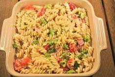 pasta ovenschotel Spatzle, Broccoli Pasta, Home Food, Pasta Salad, Macaroni, Ham, Veggies, Ethnic Recipes, Diner Ideas