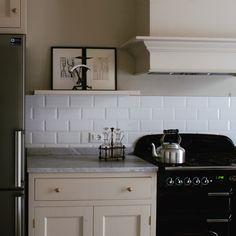 Monticello Country Kitchen by Homewood Bespoke #stileinglese #stilecountry #country #inglese #bespoke #timeless #classico #eggshell #coastal #stileamericano #homewood #falcon #rangecookers
