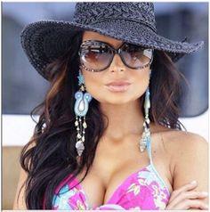 Beautiful Roberto Cavalli Sunglasses, RC893S