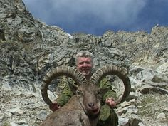 Russian Tur Hunting - OUTDOORSMAN.com