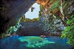 vlahata samis  ΚΕΦΑΛΟΝΙΑ: Ανοιχτά τα σπήλαια κάθε Δευτέρα-Τετάρτη και Παρασκ...