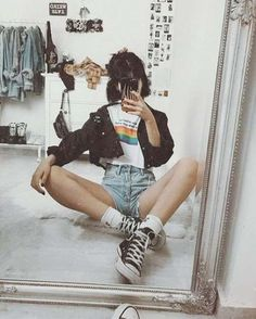 Kiss everybody [ Trend Trendy Outfits Clothes Style Retro Aesthetic, Aesthetic Fashion, Aesthetic Clothes, Look Fashion, Teen Fashion, Retro Fashion, Fashion Models, Fashion Outfits, Indie Grunge Fashion