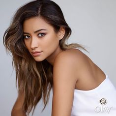 Shay Mitchell's eyebrows are perfect... and so is her hair. | Pretty Little Liars