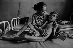 James Nachtwey - Inspiration from Masters of Photography James Nachtwey, War Photography, Documentary Photography, World Press Photo, The Dark Side, Photo Awards, Pictures Of People, Photo Story, Photo Essay