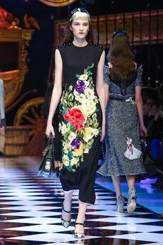 df891010 67 Best DOLCE GABBANA images | High fashion, Dress lace, Womens fashion