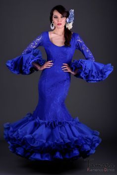 Size 38 - Carla (Same photo) Flamenco Costume, Flamenco Dancers, Flamenco Dresses, Dress Websites, En Stock, Picture Sizes, Baby Dress, Royal Blue, Fashion Show