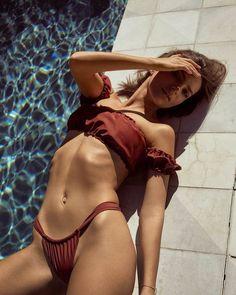 72dffb9d03392 Emily Ratajkowski y Inamorata Swim viviendo un verano infinito