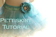 Girl. Inspired. {sewing, crafts, party inspiration}: Pettiskirt, Please: A Tutorial