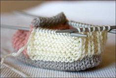 Tina's handicraft : baby shoes pattern & photo tutorial : Tina's handicraft : baby shoes pattern & photo tutorial Baby Booties Knitting Pattern, Baby Shoes Pattern, Knit Baby Booties, Shoe Pattern, Baby Knitting Patterns, Knitting For Kids, Crochet For Kids, Free Knitting, Crochet Baby
