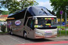 Neoplan Starliner von Lauwers Reisen aus Belgien in Krems gesehen.