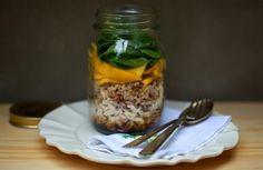 Salada de frango, 7 grãos e manga no pote   Panelinha - Receitas que funcionam