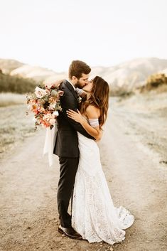 """Slo Living"" in San Luis Obispo: Modern Meets Boho at this Free People-Inspired Wedding Modern Higuera Ranch Wedding // Wedding in San Luis Obispo, California. Wedding Photography Poses, Wedding Poses, Wedding Couples, Wedding Portraits, Free People Wedding Dress, Wedding People, Photography Guide, Lesbian Wedding, Wedding Ideas"