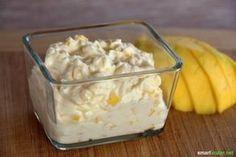 Frischkäse-Mango Zutaten: 200 g Frischkäse 50 g fein geschnittene, reife Mango Zubereitung: Zutaten verrühren, optional etwas Honig hinzufügen, falls die Mango nicht süß genug ist.