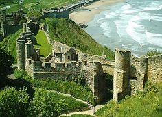 Scarborough Castle, Yorkshire, England used to visit every weekend in my younger days The Places Youll Go, Oh The Places You'll Go, Places To Visit, Scarborough Castle, Scarborough England, Scarborough Beach, Beautiful Castles, Beautiful Places, Yorkshire England