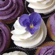 Vanilkové cupcakes s borůvkami Red Velvet, Minis, Cupcakes, Baking, Desserts, Cheesecake, Food, Red Valvet, Bread Making