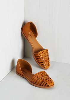 Get Up and Portico Flat. Minutes into your Charleston vacation, youve found your stride in these caramel dOrsay flats! #tan #modcloth