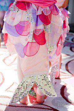 Mermaid or Pink Lemonade Party? Mermaid Beach, Cute Mermaid, Mermaid Skirt, Mermaid Birthday, Girl Birthday, Party Ideas, Party Fun, Beach Party, Diy Party