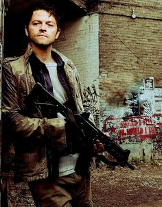 2014!Castiel Sure he was a hippy orgy guy, but DAMN look at him! He's gorgeous ;D