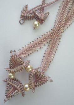 Beaded necklace designed and made by Ronel Durandt