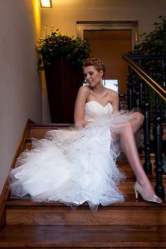 Ekstrawagancka suknia ślubna z tiulowym gorsetem.