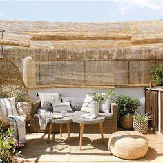 Aménager sa terrasse avec style en matériaux naturels - PLANETE DECO a homes world Budget Patio, Small Patio Ideas On A Budget, Cheap Pergola, Diy Pergola, Pergola Kits, Pergola Ideas, Pergola Roof, Outdoor Patio Designs, Outdoor Decor