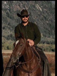 Cole Hauser Yellowstone Series b01ba5874ab0