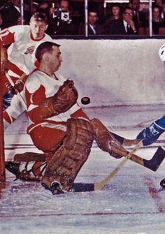 Roger Crozier - one of the greatest Red Wings' netminders - Winner of the Calder Memorial Trophy, 1965 . Winner of the Conn Smythe Memorial Trophy, Ice Hockey Teams, Hockey Goalie, Hockey Games, Hockey Players, Detroit Red Wings, Hockey Trophies, Hockey Room, Red Wings Hockey, Showgirls