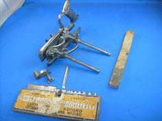 Record No 050 combination plough and beading plane, with set of 17 cutters