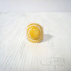Anillo amarillo de crochet de CalpeArts por DaWanda.com
