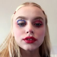 — small clown honk as i blow a kiss