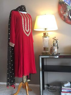 Discover thousands of images about Dresses Pakistani Dresses Casual, Pakistani Wedding Outfits, Pakistani Dress Design, Indian Dresses, Indian Outfits, African Dress, Red Lehenga, Anarkali, Lehenga Choli