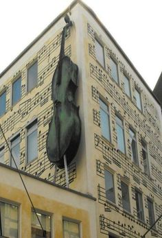 Musical Note Building & Cello Structure