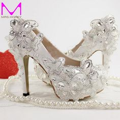86.91$  Buy now - http://ali3qj.worldwells.pw/go.php?t=32555239323 - 2016 White Wedding Dress Shoes Beautiful Lace Butterfly Pricess Single Shoes Fashion Party Prom High Heel Shoes Plus Size 86.91$
